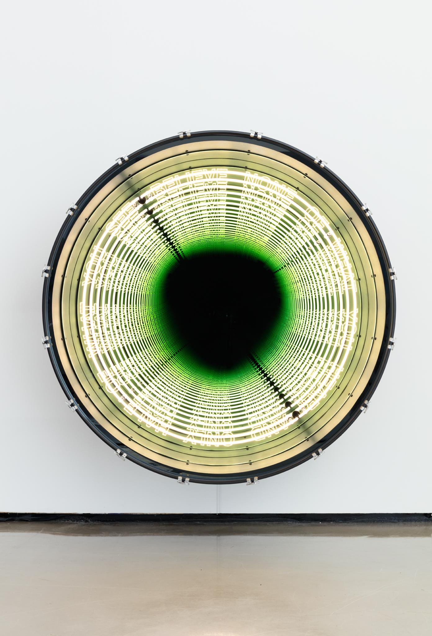 Iván Navarro, Benjamin Franklin, 2016 Paul Kasmin Gallery  neon, LED lights, aluminum, drum, mirror, one-way mirror, and electric energy 152.4 × 152.4 × 71.8 Size (cm)