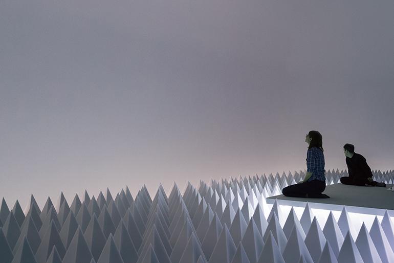 Doug Wheeler, PSAD Synthetic Desert III (1971) Courtesy: Guggenheim New York