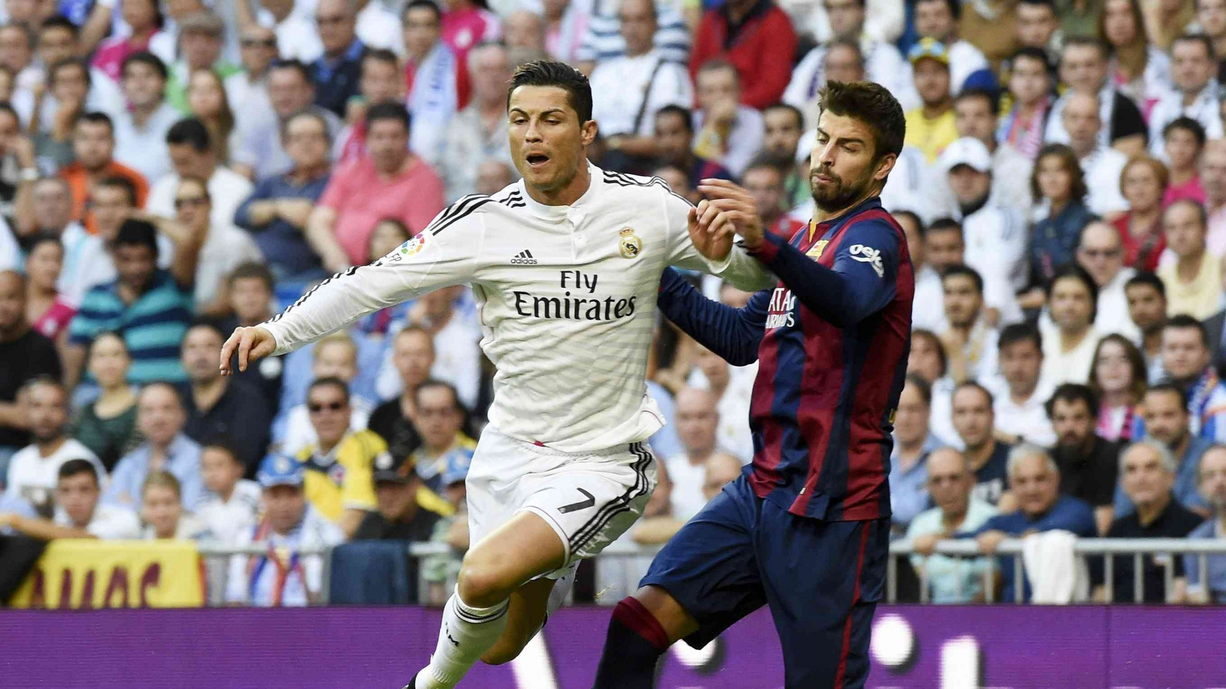 real_madrid_vs_barcelona_real_madrid_barcelona_fc_barcelona_gerard_pique_cristiano_ronaldo_101050_2560x1440.jpg