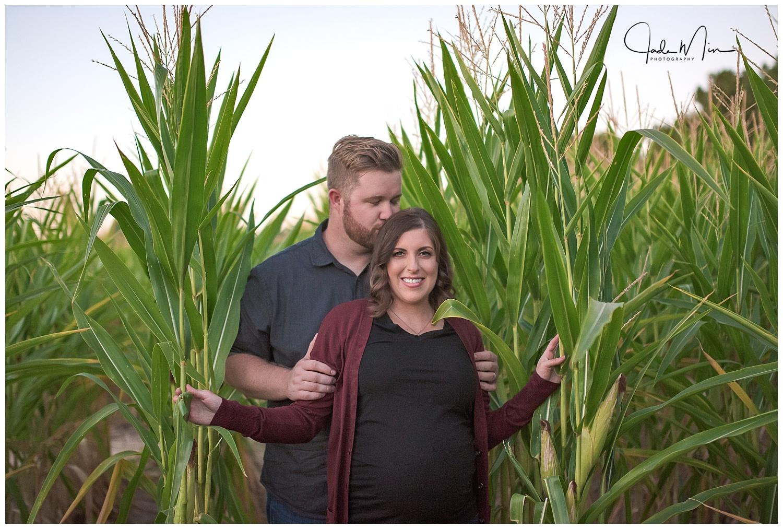 Maternity Photography, Queen Creek, Schnepf Farms, Corn Maze