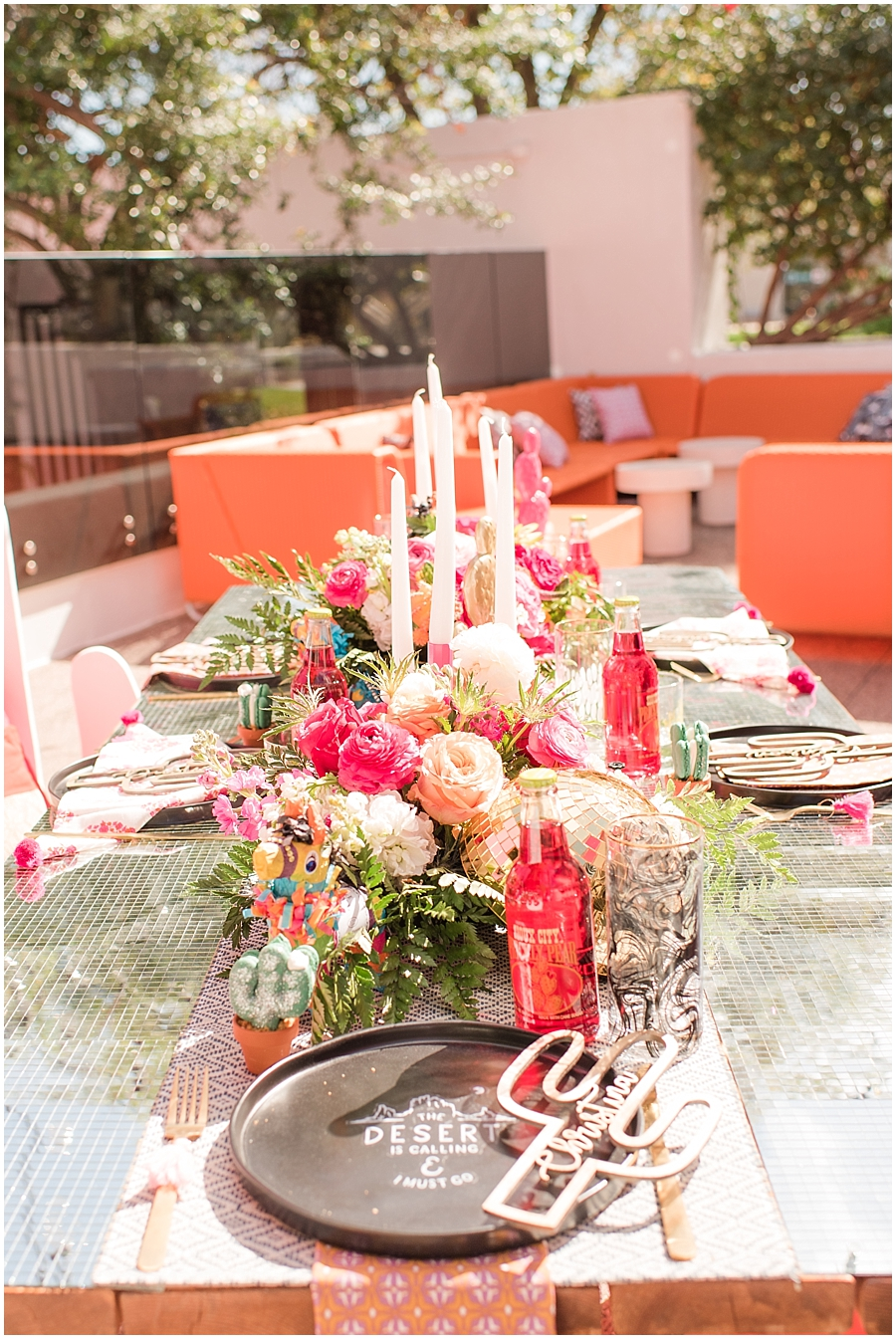 Reception space at The Saguaro Scottsdale. Florals and design provided by Bloom + Blueprint, and furniture rentals provided by Dang Fine Rentals. Photos by Jade Min Photography.