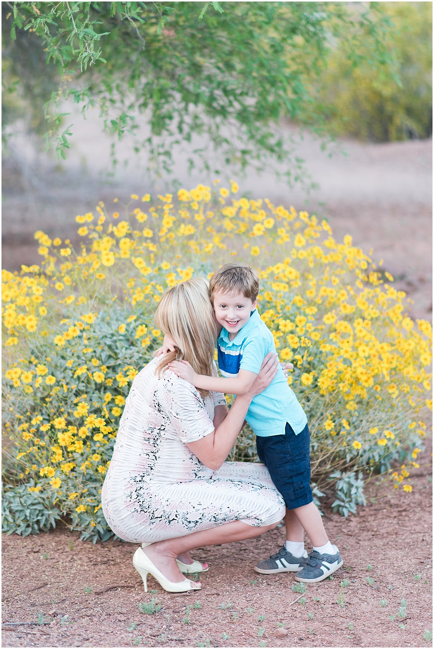 Mihlik maternity session at Papago Park in Phoenix, Arizona. Photo taken by Jade Min Photography.