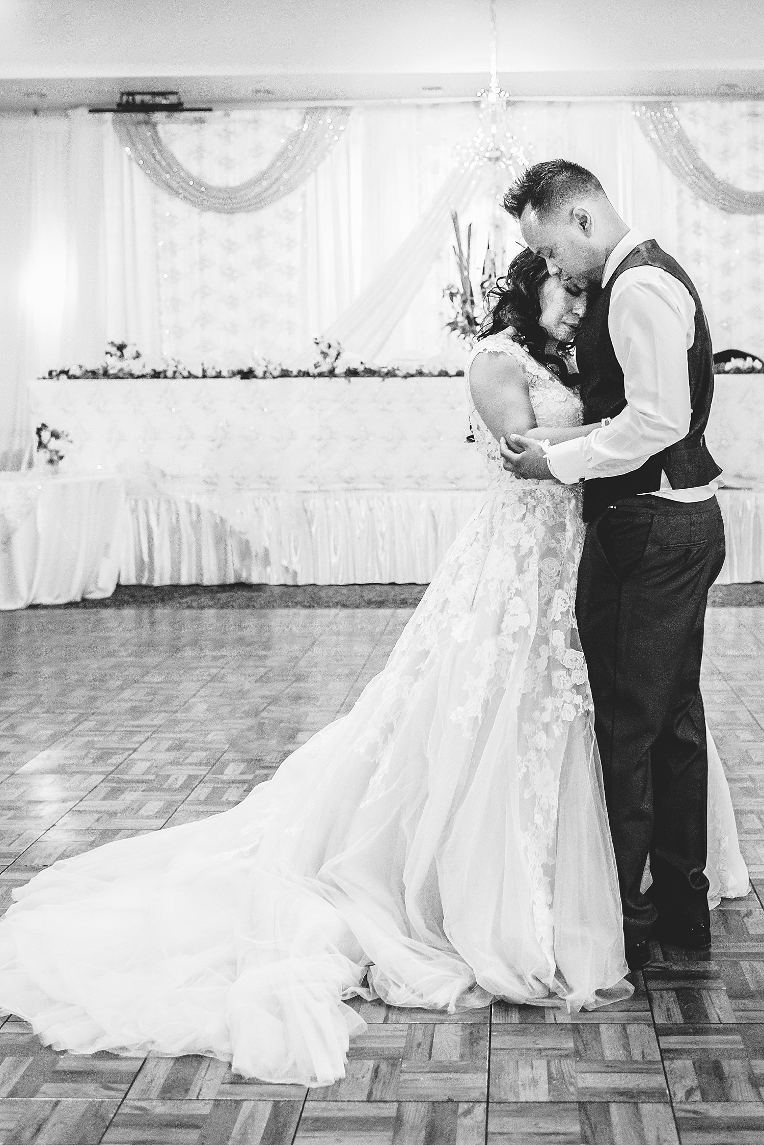 Hom and Van's Cambodian and Laotian wedding at American Royal Palace in North Phoenix. Photographed by Jade Min of Jade Min Photography.