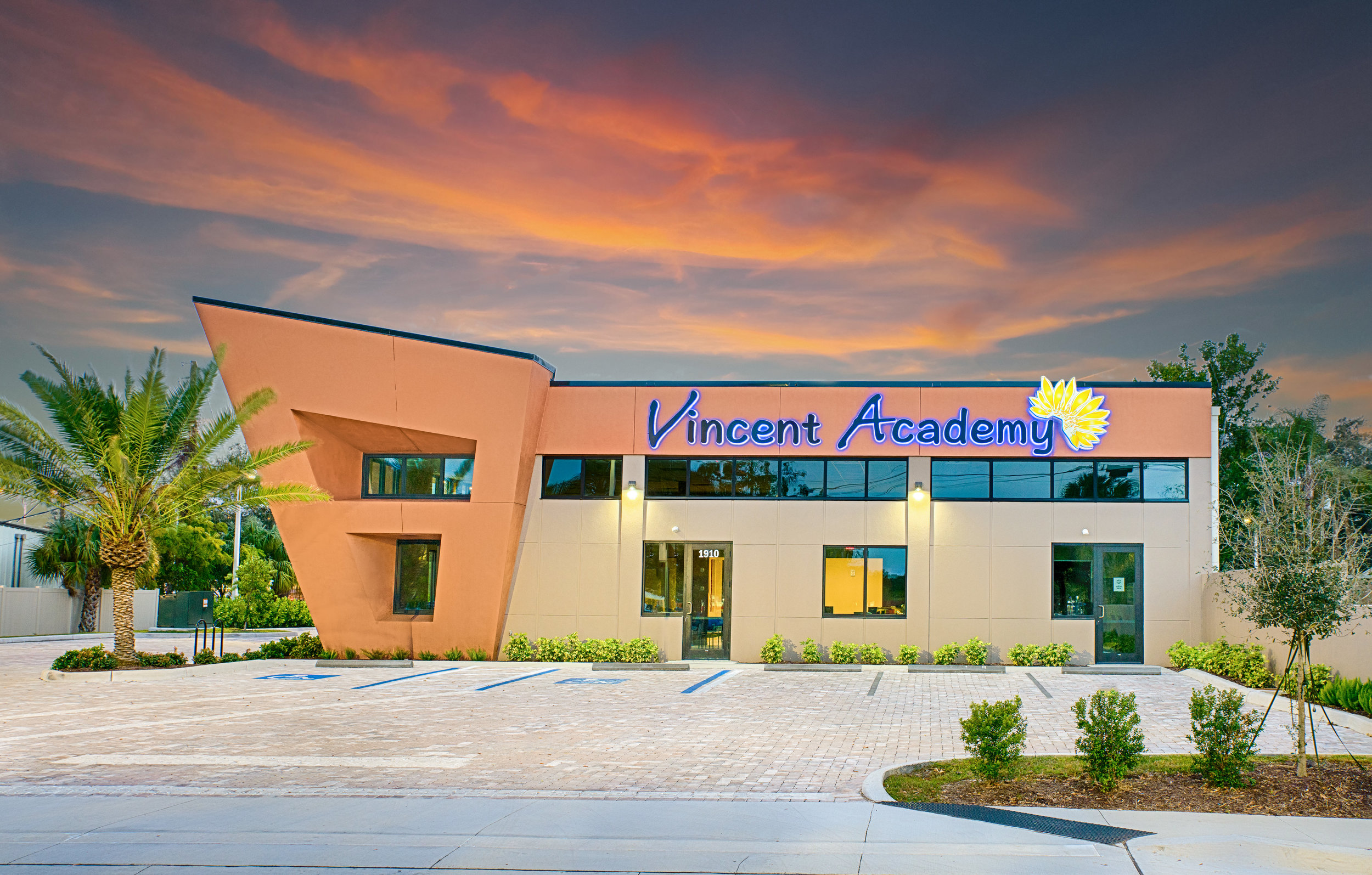 Vincent_Academy_01.jpg