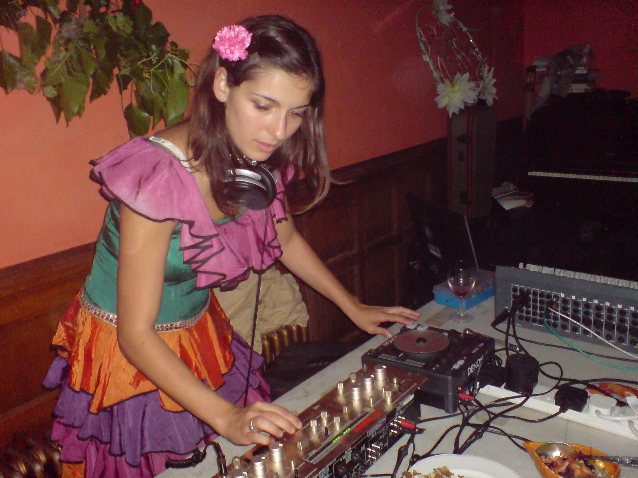 One of my earlier DJ sets - old skool