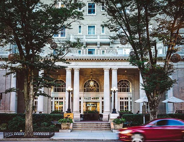 The classically beautiful @georgianterrace hotel. | Atlanta, Georgia | #theluxebook