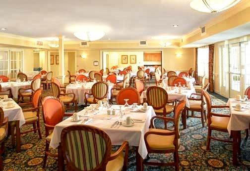 Parkwood Dining 060 Final - Copy.jpg