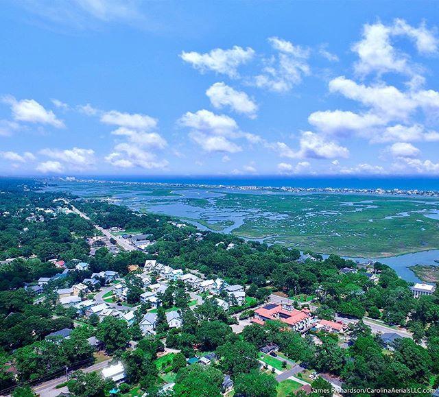 #Droneview: #MurrellsInlet, #SouthCarolina. . #coastalliving #aerial #drone #instadrone #murrellsinletsc #travelsc #myrtlebeach #southcarolinawater #dronelife #dronetravels @inletsportslodge