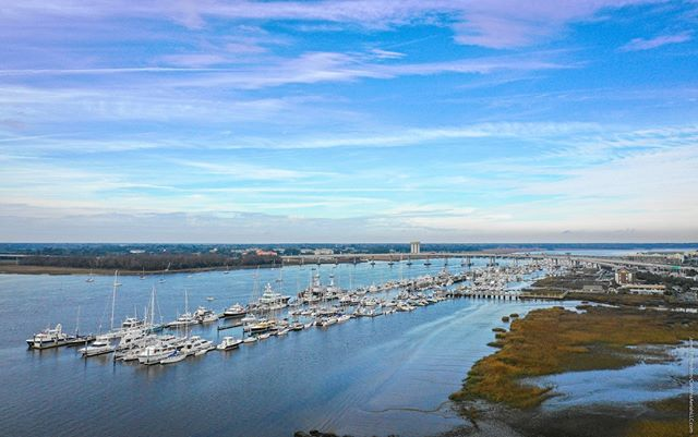 #Droneview: @thecharlestoncitymarina , #Charleston, South Carolina. #drone #aerial #aerialphotography @thebeachcompany