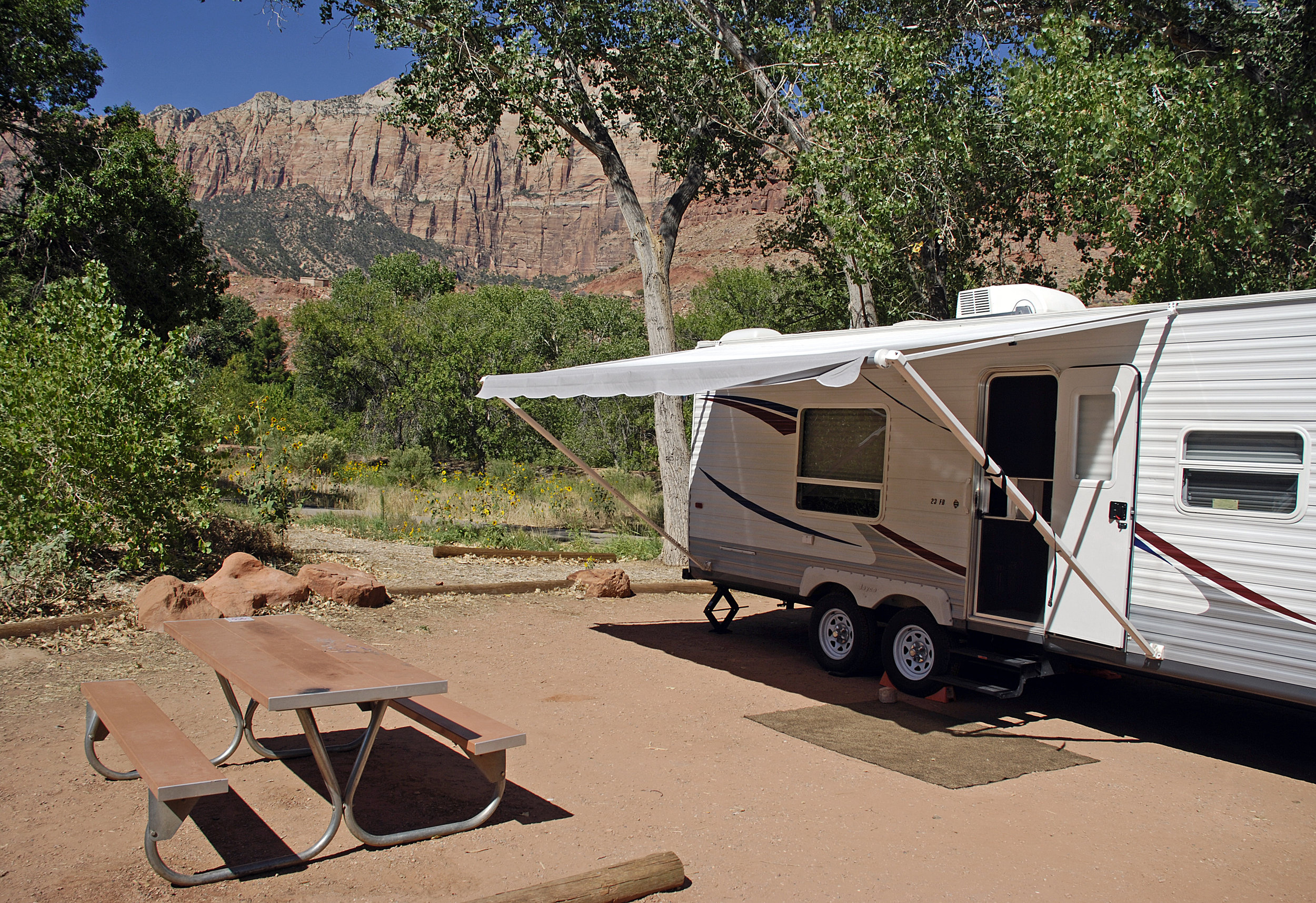Travel trailer Zion NP