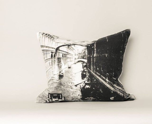 Never forget your trip to Italy! This stunning black and white photo throw pillow of the Bridge of Sighs in Venice, Italy was taken in the summer of 1925  by my grandfather. Shop more luxury pillows at the link in bio! 👆 • #etsyfinds #design_by_naomi #throwpillows #etsy #decorativepillows  #etsygifts #vintage #shoplocal #shopetsy #homedecor #vintagepic #etsylove #countryliving #giftideas #etsyseller #homewares #interiordesign #homedecoration #travel #sanfrancisco #santacruz #etsyshop #interiordesigner #cainteriordesigner #buyer #californiainteriordesign #homeaccessories #designinspiration #italytrip #italy