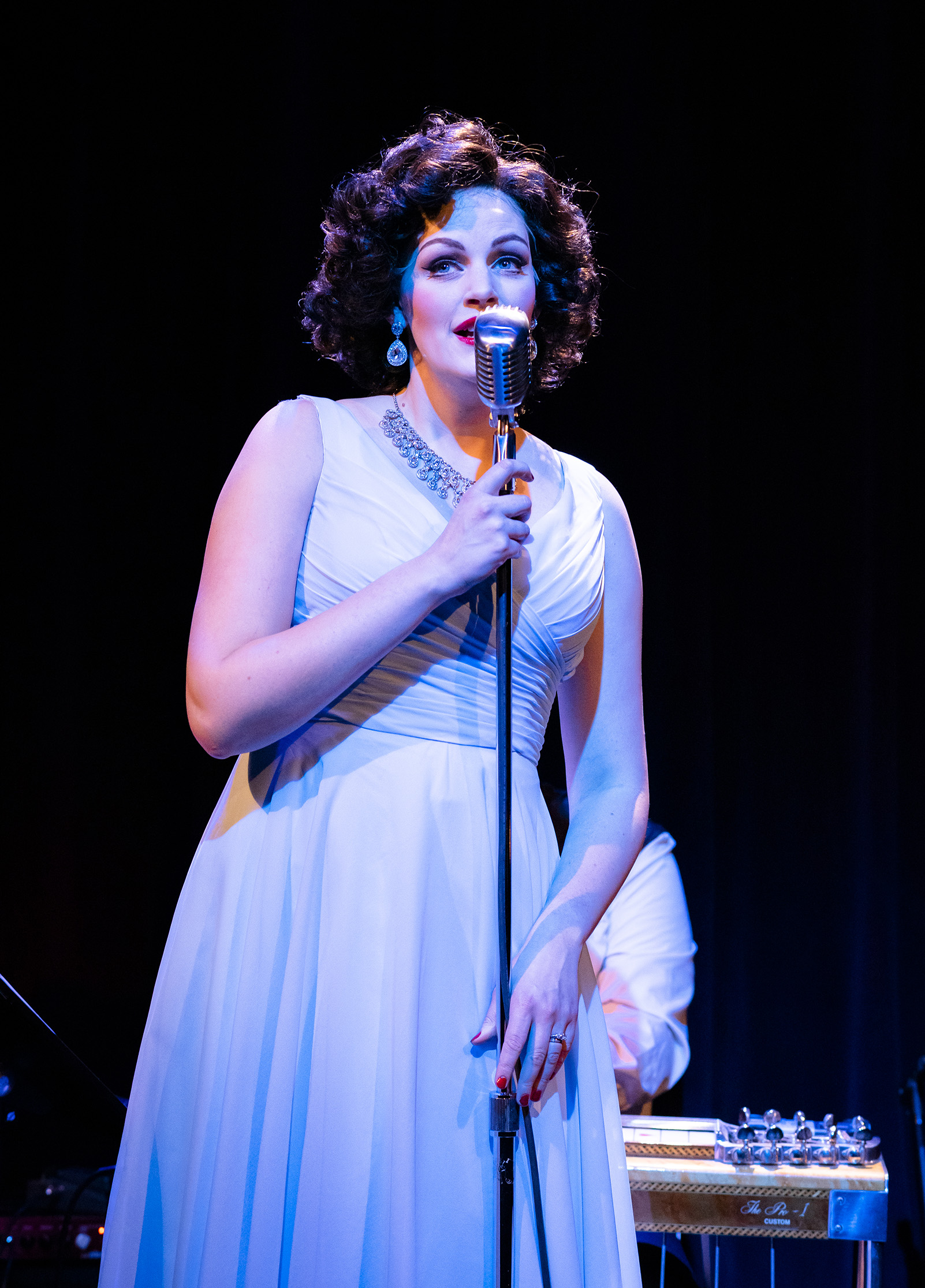 Always… Patsy Cline  at Taproot Theatre. Photo by Robert Wade.