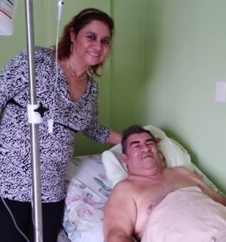Cesar and his daughter Mirna at the hospital.