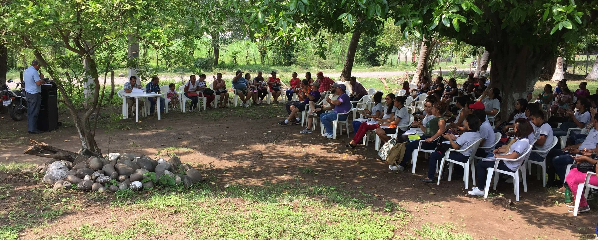 In a village near San Pedro Alvarado, Guatemala, Manuel and a group of community leaders gather a group to talk about their trash problem. Before setting up for this meeting, a new Christian Rancher group was established that will make this project their way to demonstrate their love and concern for the people of their community.