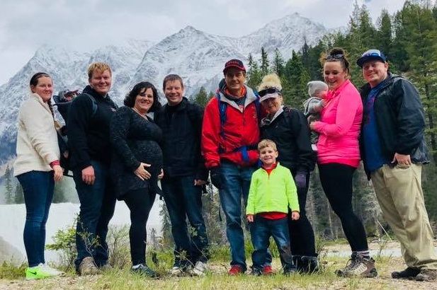 Here's a line-up of the Reed family crew. From left to right is Bobbi, Bridget (in the backpack carrier), Ryan, Kristin (with child!), Josh, me, Brayden, Nola, Zeke, Liz, and Zac! The family vacation in Banff, Canada was so much fun!