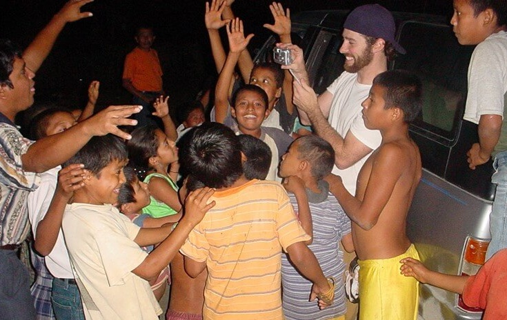 In January of 2004, on our first trip to the jungle, Jason Neland takes a digital snapshot of the children and then, to their squeals of delight, shows them their pictures!