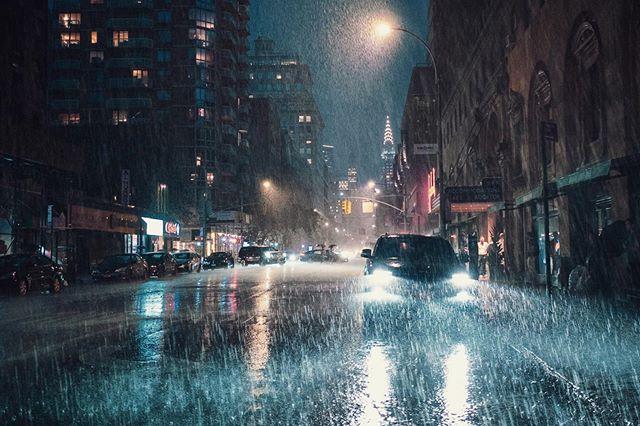 When it rains it pours #storm #summer #newyork #fujifilm #chryslerbuilding #manhattan