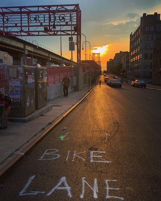 Williamsburg sunsets #bridge #williamsburg #bikelane #iphone #shotoniphone #street #streetfauna