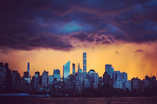 Sunset and storm over the City #storm #sunset #rain #fujifilm #manhattan