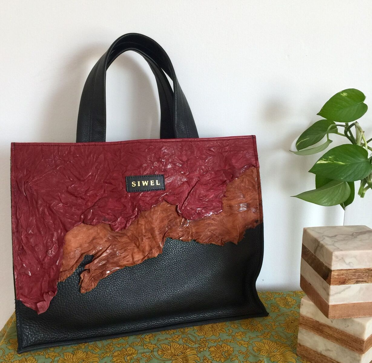 Our tote bag Lola from our New RAW ARTISTRY Collection is now available for resale! {Lola ~Pre-order} -