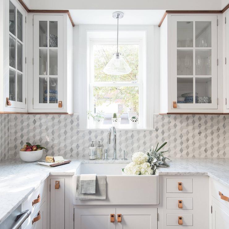 white-and-gray-marble-diamond-pattern-kitchen-tiles.jpg