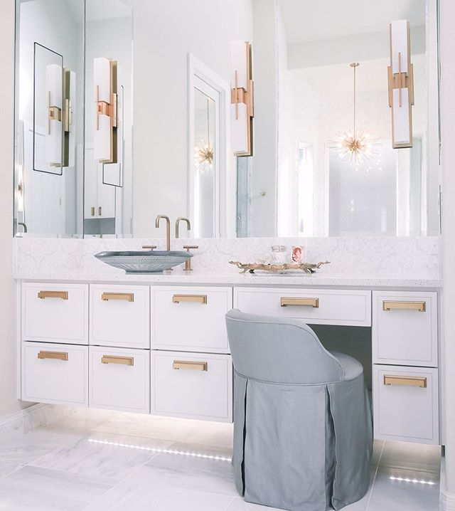 You probably figured out that this is not a farmhouse, but we have more than one trick up our sleeve, y'all! 😉 Click the link in our profile to see our latest bathroom renovation in west Mckinney. Don't miss the list of vendors at the bottom of post, too!  #letsremodel #mckinneytx