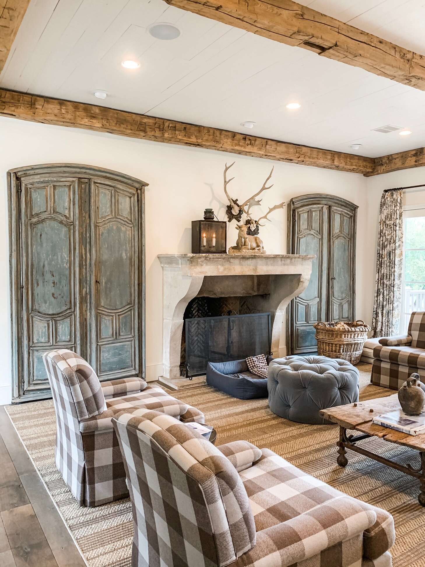 Photography by  Kaci lyford . design by  Lisa Luby Ryan . Shop antique fireplace mantels onine at  east end salvage .