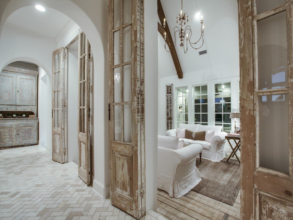 Photo by  House of Hargrove . Design by deanna rearden. shop salvage doors online at  East end salvage .