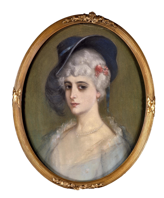 Mujer con Sombrero (Woman Wearing a Hat)  1914 pastel on paper laid down on board /pintura al pastel sobre papel sobre tabla 21.3 x 17 inches / 54 x 43.2 centímetros Private collection