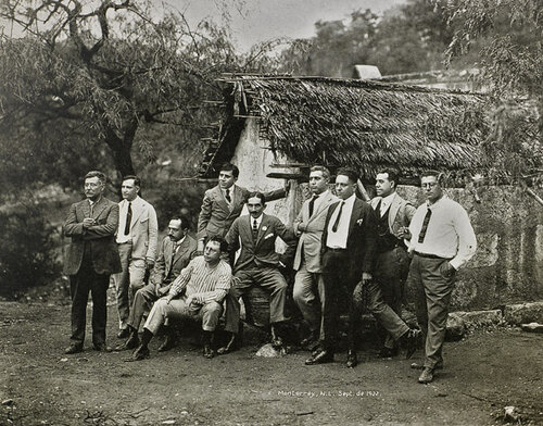Ramos Martinez (seated center) with a group of unidentified men, 1922.