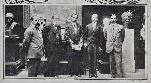 Ramos Martinez (far right) at the Exhibition of the Escuela Nacional de Bellas Artes