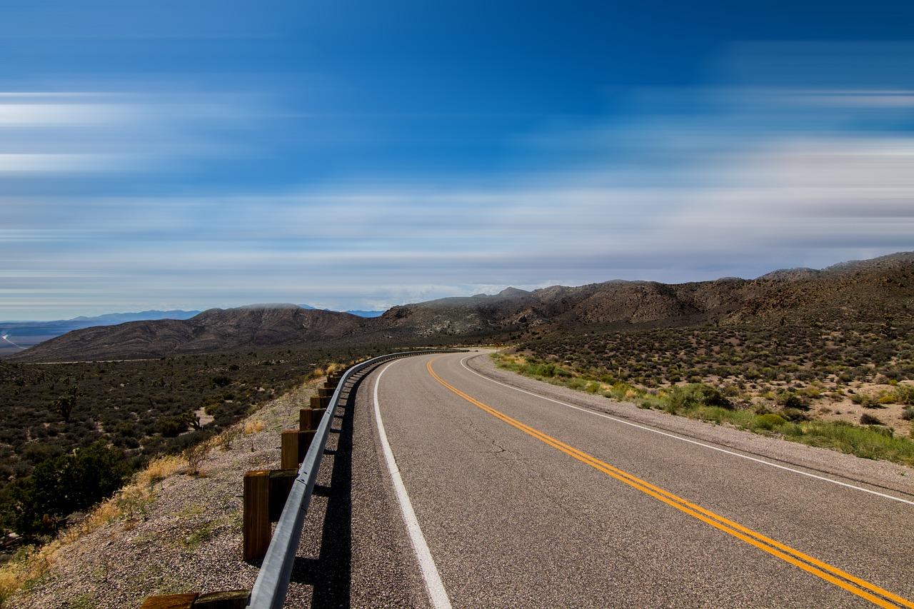 highway-2699544_1280.jpg