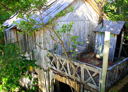 Bamboo-Tree-House_3_700x500.jpg