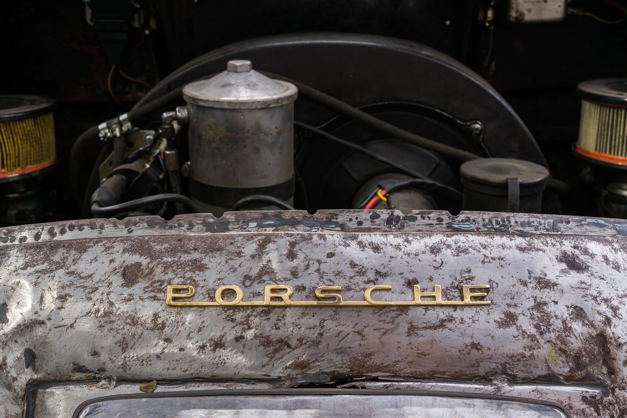 Porsche 356 enginer bay