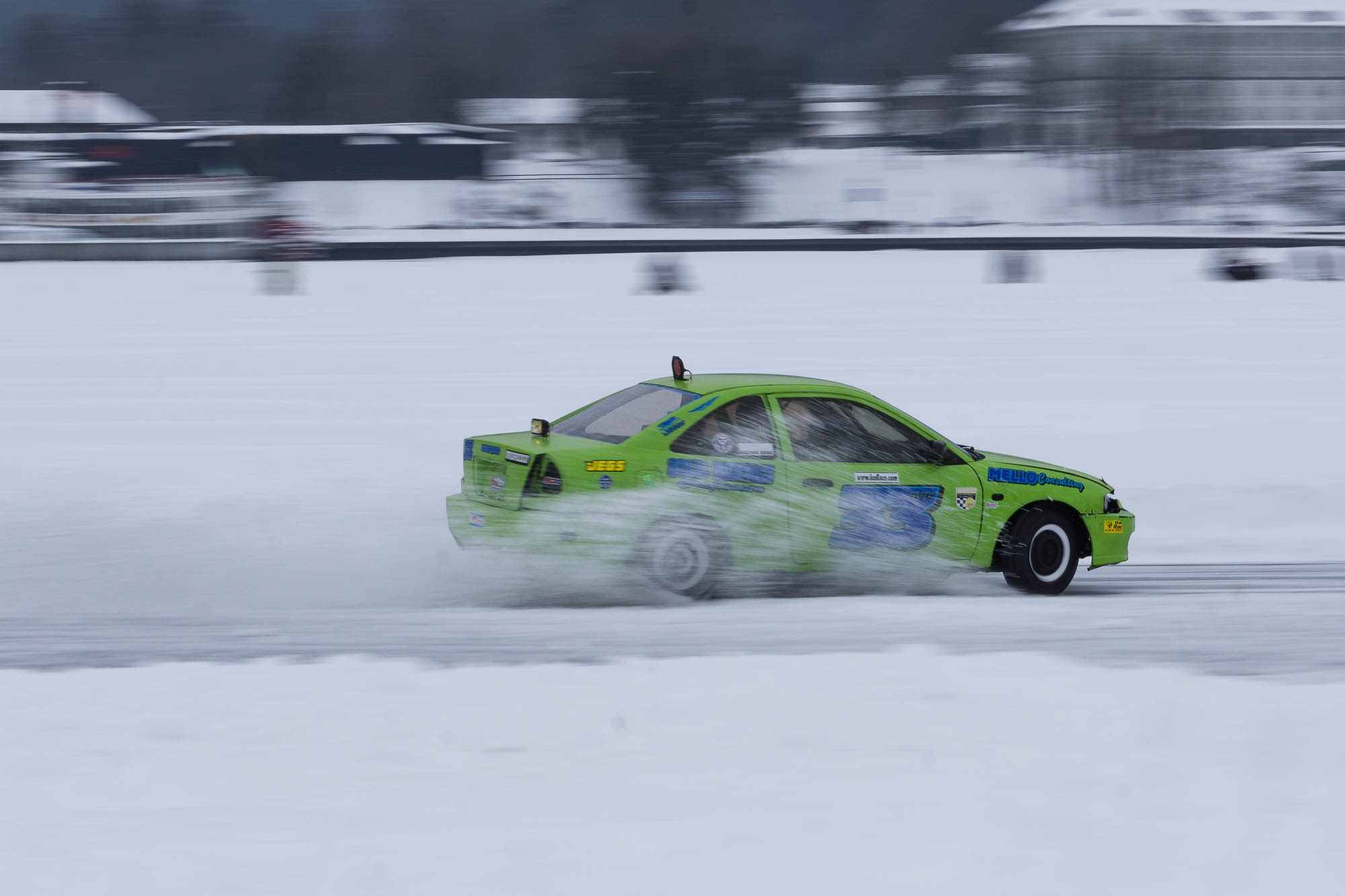 Green Car Racing Ice Races