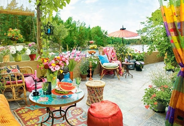 Colorful-Outdoor-Living-Spaces-01-1-cool chic style (24).jpg