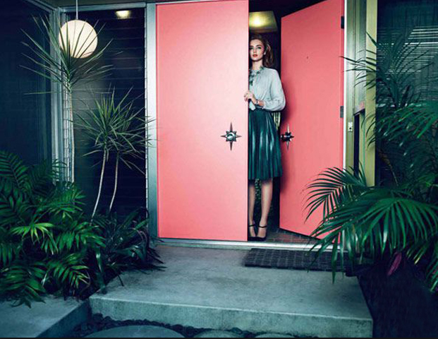 Image Credit:  InteriorCollective.com   And, finally....my dream mid century modern entry way. Coral pink door...STAR door knobs!...glass louvered side panels...lush tropical greenery...globe pendant...awesome hostess outfit to welcome my guests in.  Sigh.