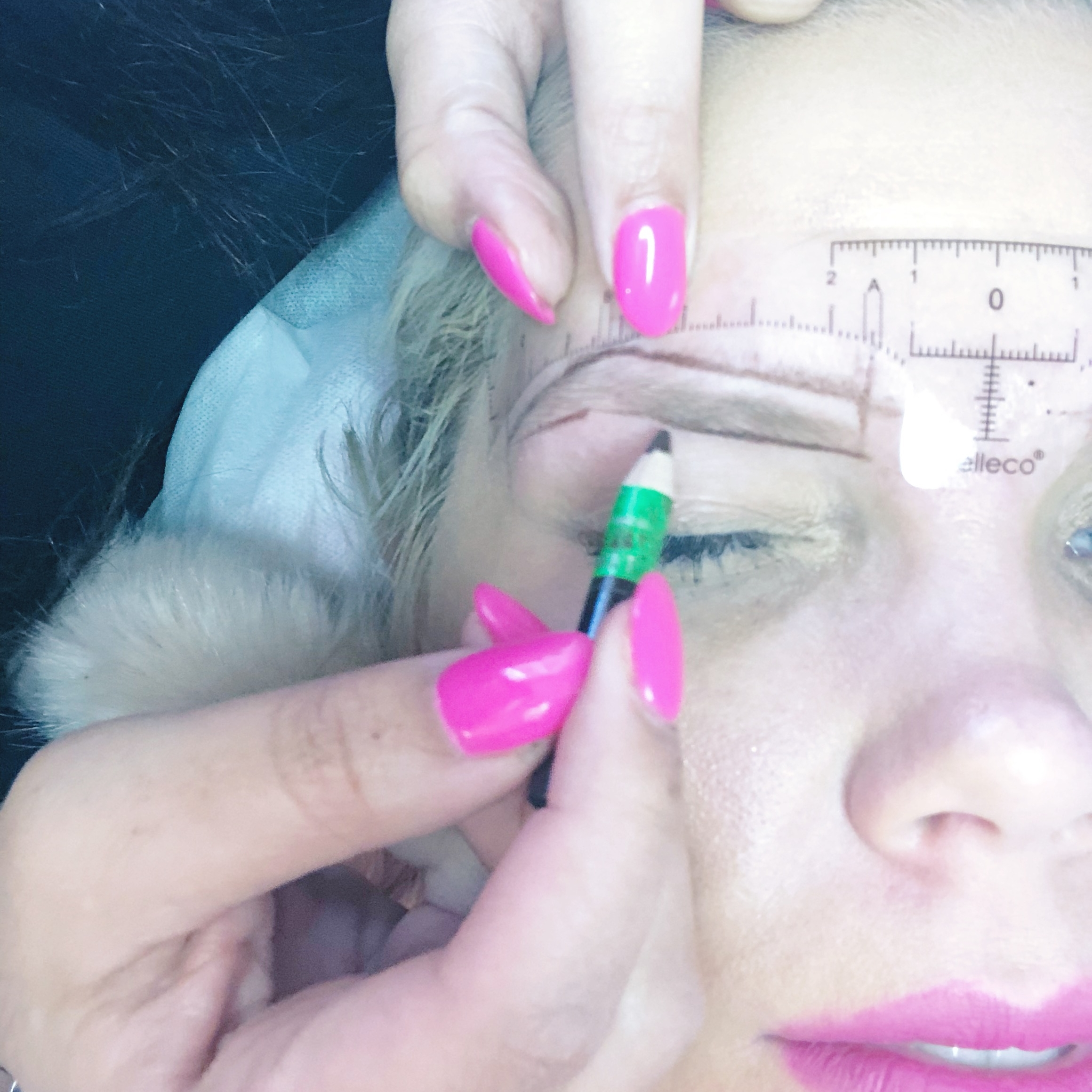 MICROBLADING-LUXE-LASHES-BEAUTY-BLOGGER-THE-CAROLINE-DOLL-1