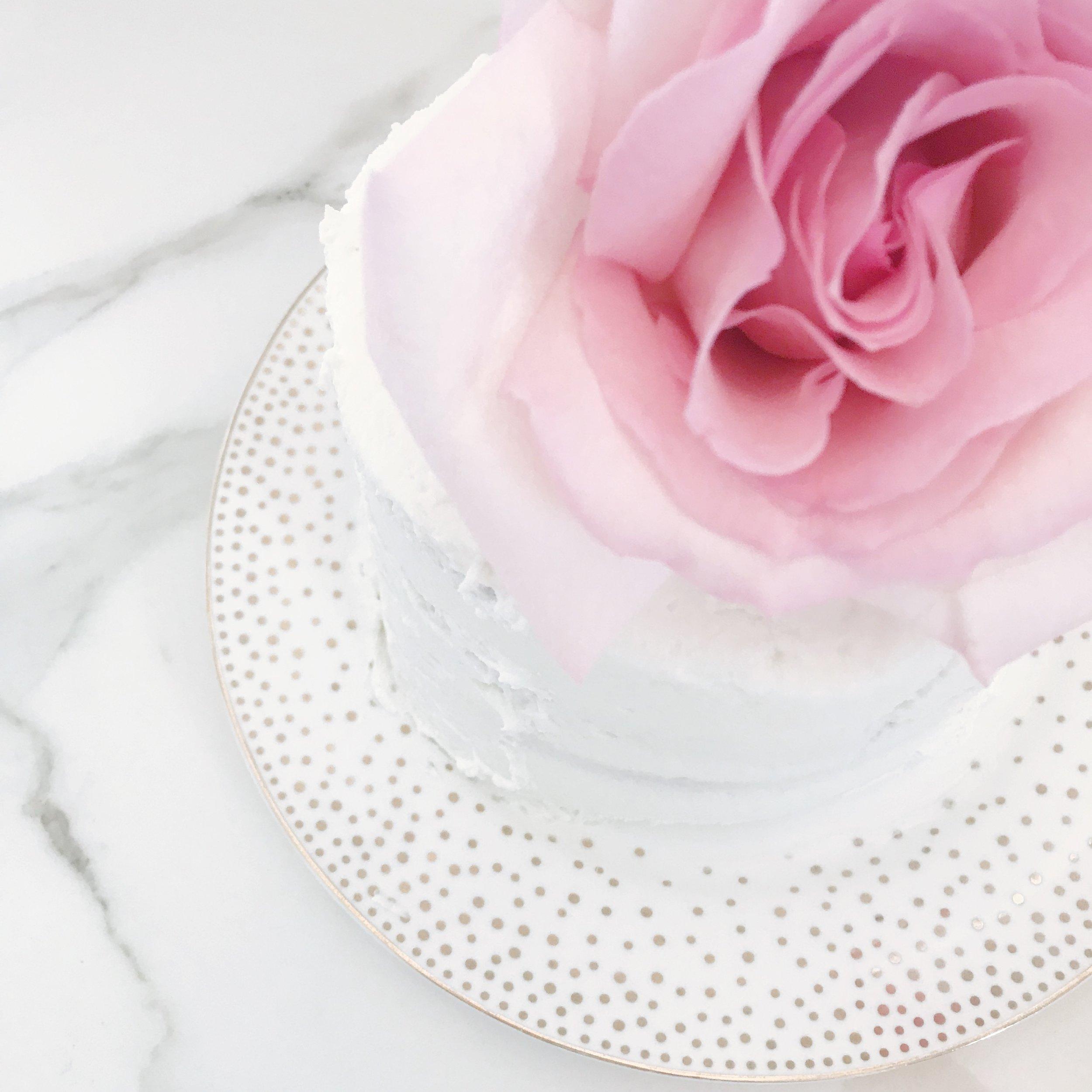 THE-CAROLINE-DOLL-BLOG-WEDDING-CAKE-PRESERVATION-3.JPG