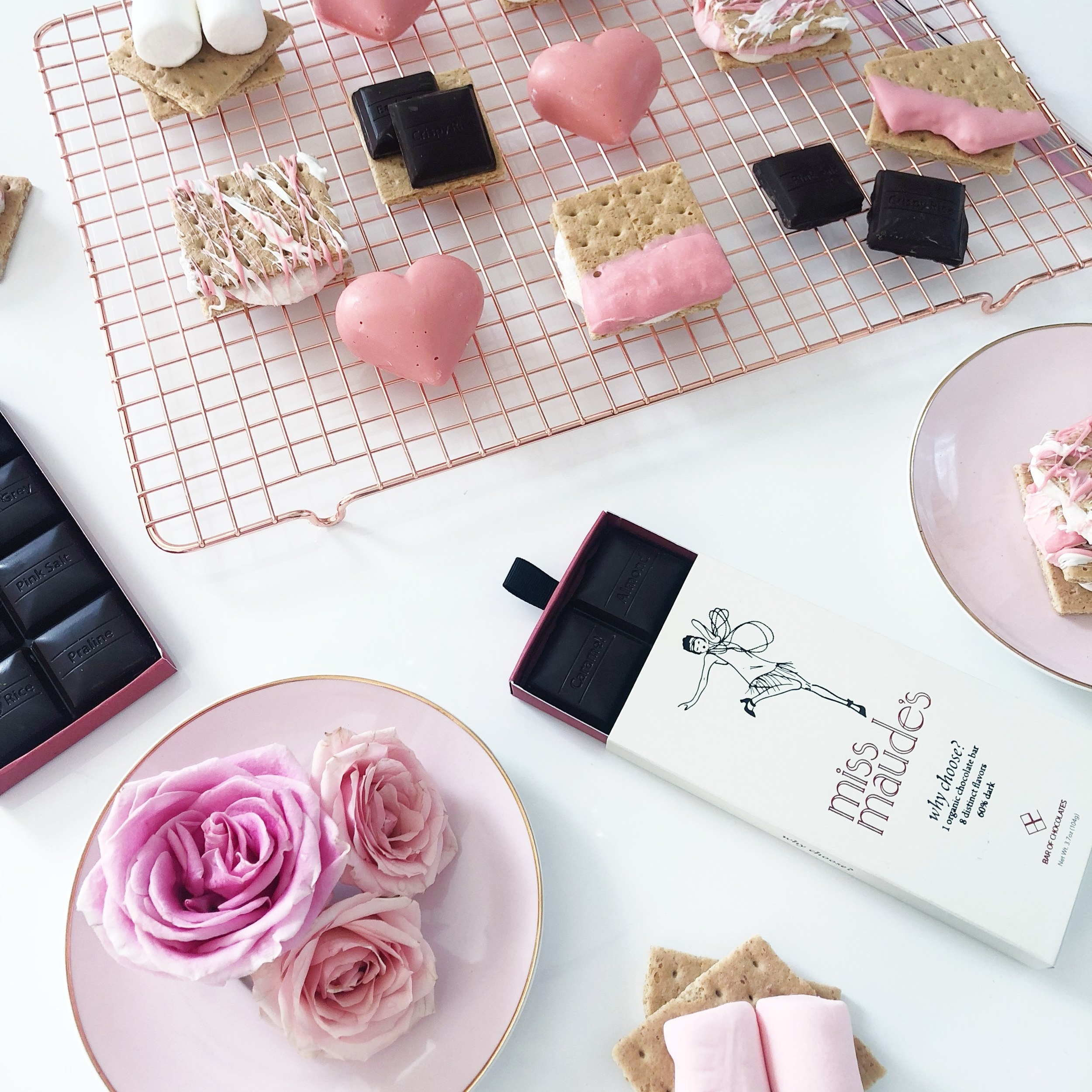 THE-CAROLINE-DOLL-NATIONAL-SMORES-DAY-LIFESTYLE-BLOGGER-3.JPG