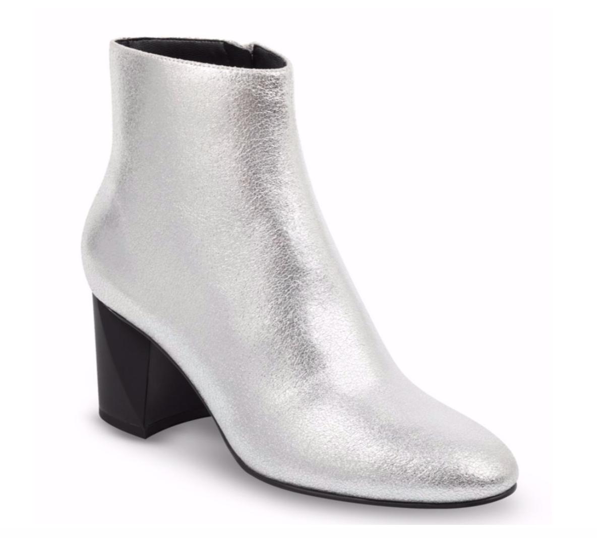 Boots: ysl | Similar:  Kendall + Kylie