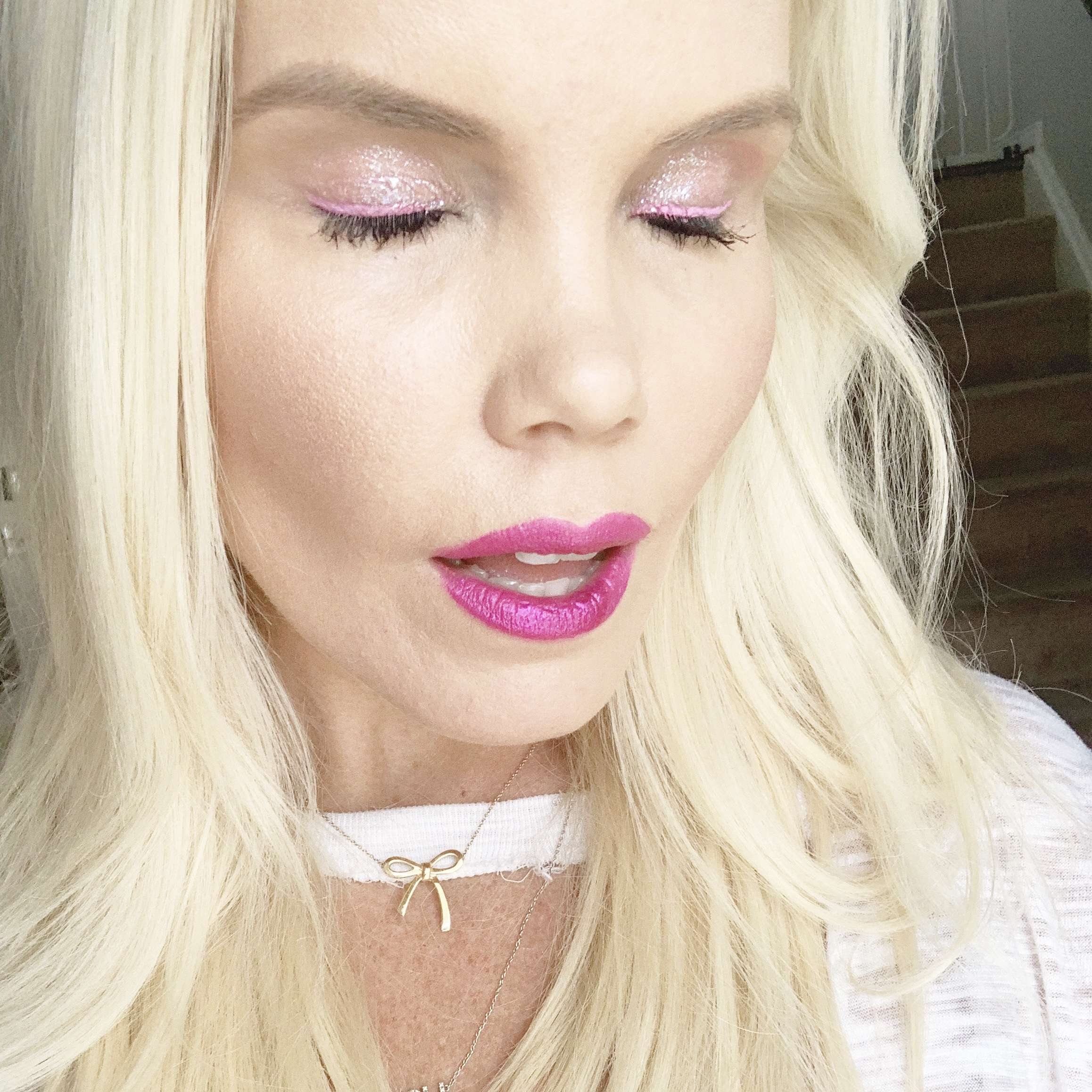 the-caroline-doll-blog-neon-glitz-glam-make-up-beauty-blogger.png