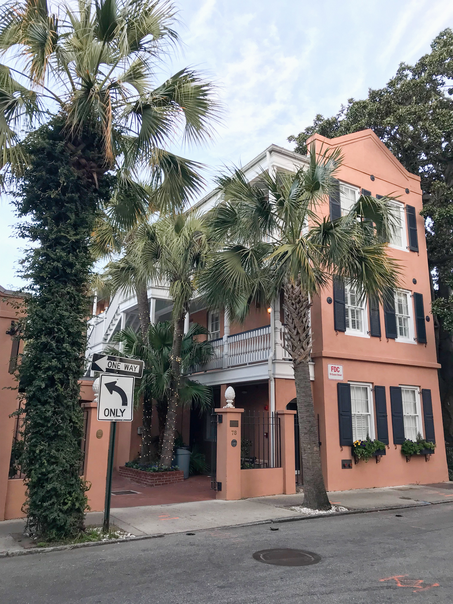 The Elliot House Inn Charleston