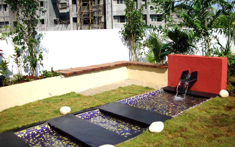 Water feature on a terrace of a residential area