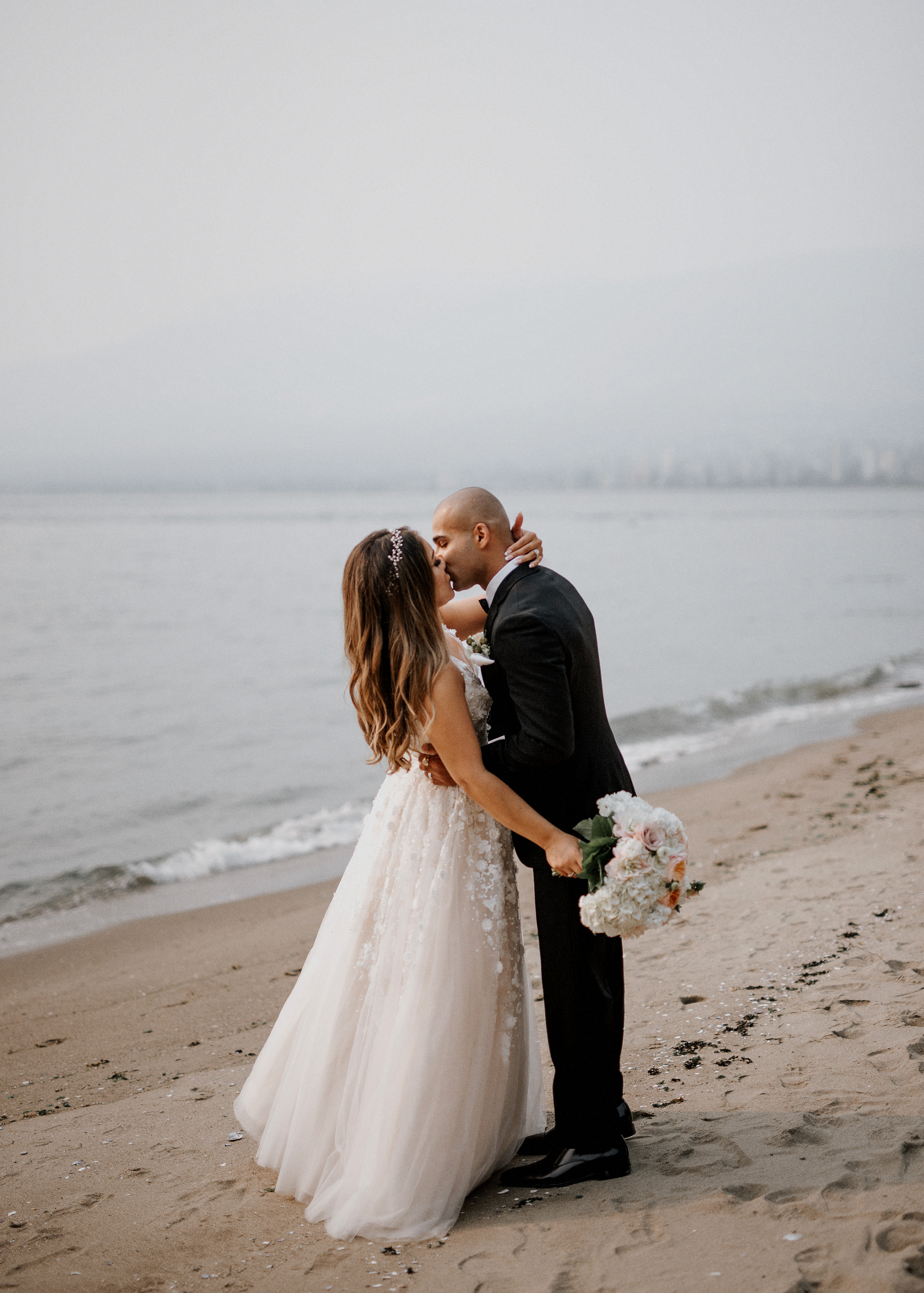 038-kaoverii-silva-LM-wedding-vancouver-photography-elopement-blog.png