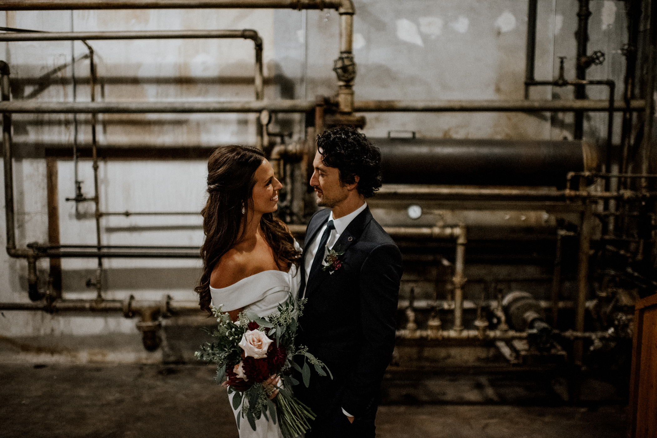 044-kaoverii-silva-MT-ubc-boathouse-industrial-wedding-photography-blog.png