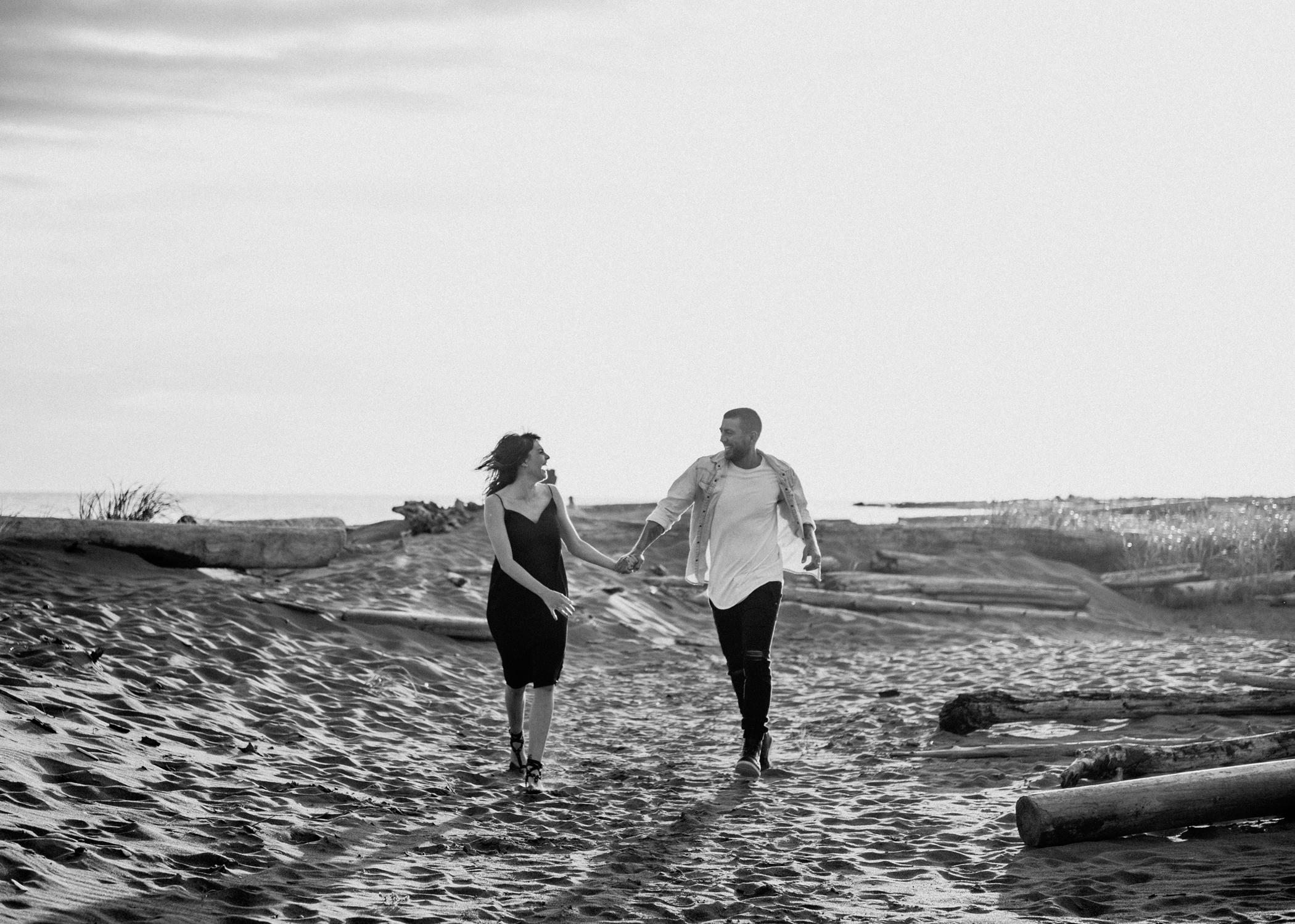 015-kaoverii-silva-lm-prewedding-vancouver-photography-iona-beach-inhome.png