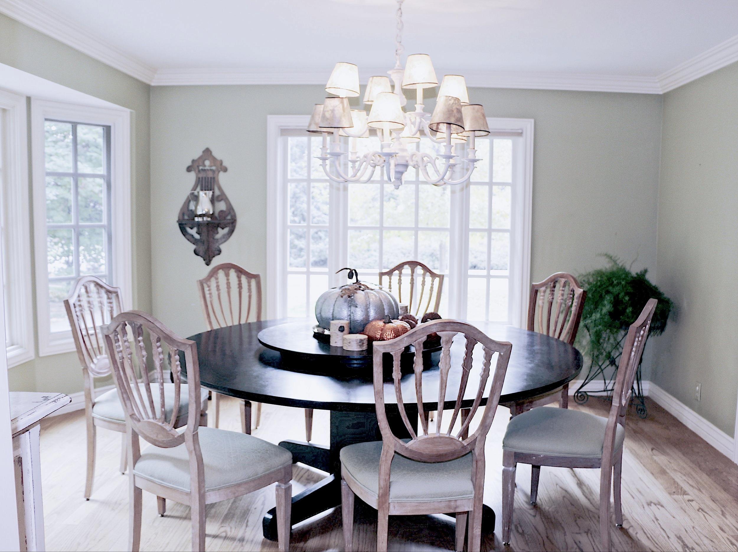 ajoyfulnoise-marriott-diningroom.jpg