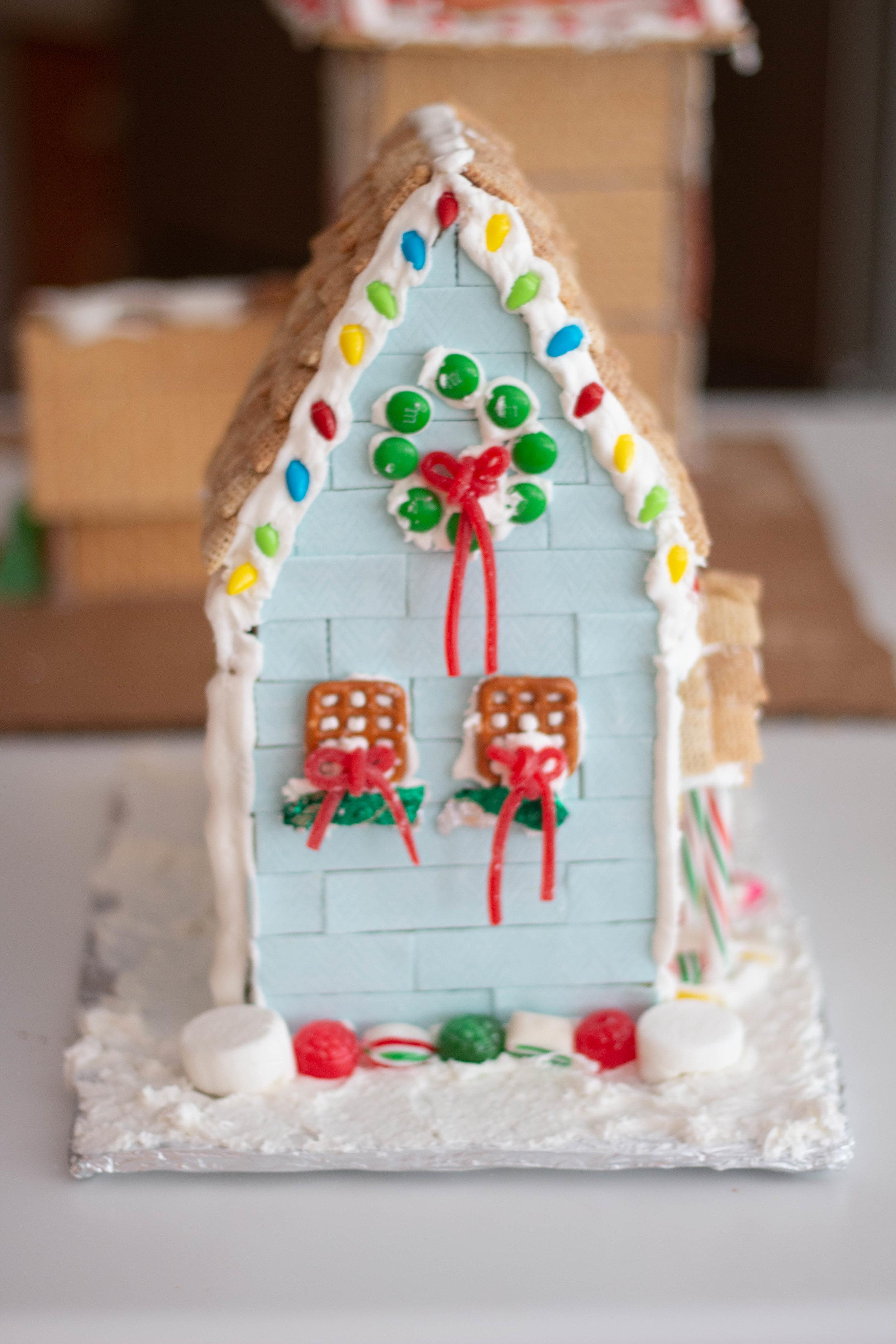 Gingerbread Houses-10.jpg