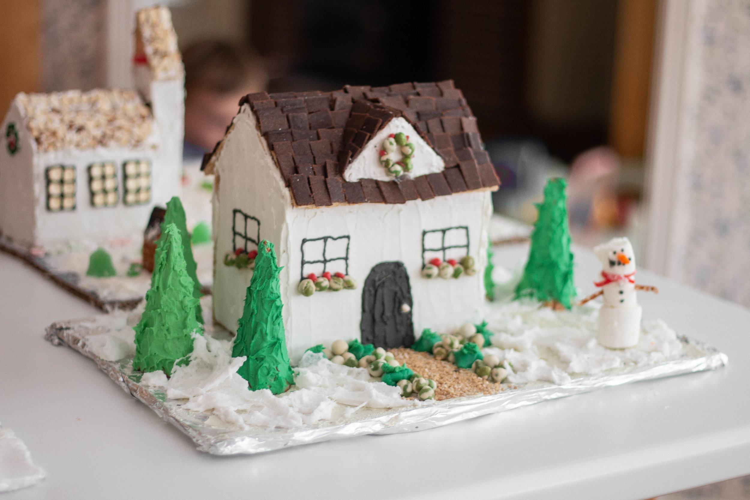 Gingerbread Houses-15.jpg